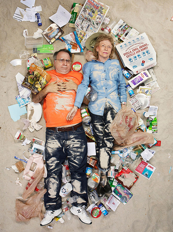 Gregg Segal: 7 Days of Garbage: 7-days-of-garbage-environmental-photography-gregg-segal-3.jpg