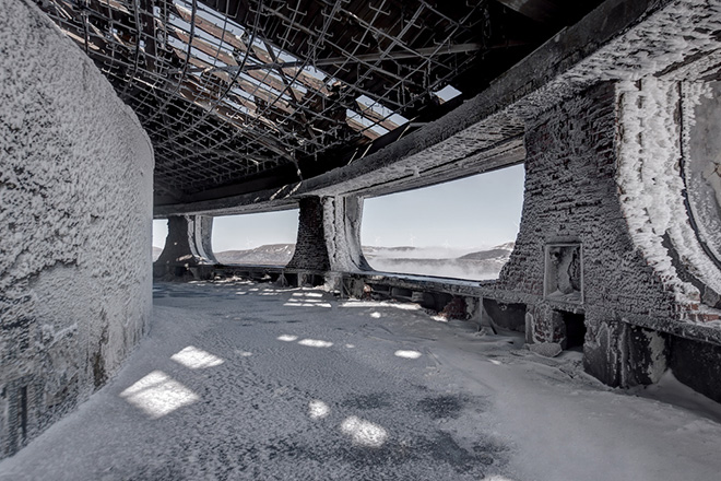 "New Book ""Soviet Ghosts"" by Rebecca Litchfield: abandoned_soviet_02.jpg"