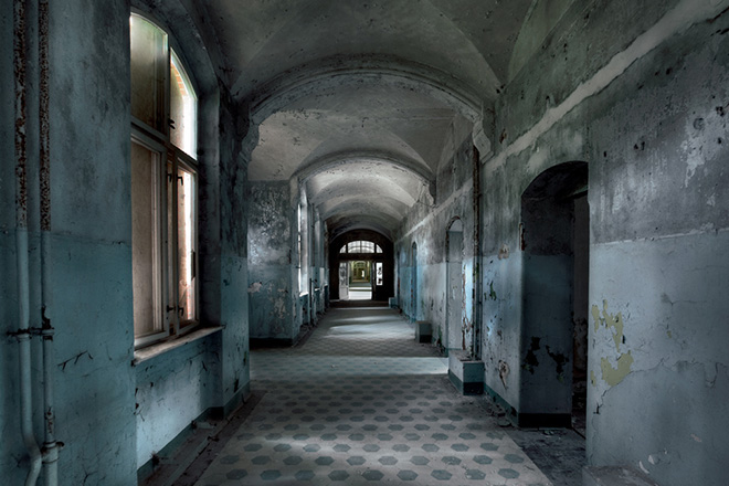 "New Book ""Soviet Ghosts"" by Rebecca Litchfield: abandoned_soviet_04.jpg"