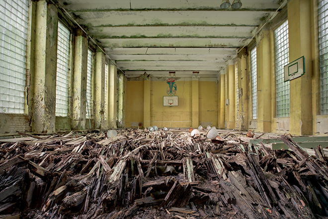"New Book ""Soviet Ghosts"" by Rebecca Litchfield: abandoned_soviet_08.jpg"