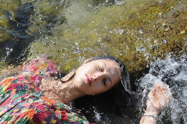 New Photoreal Mastery from Yigal Ozeri: yigal_ozeri_art_09.jpg