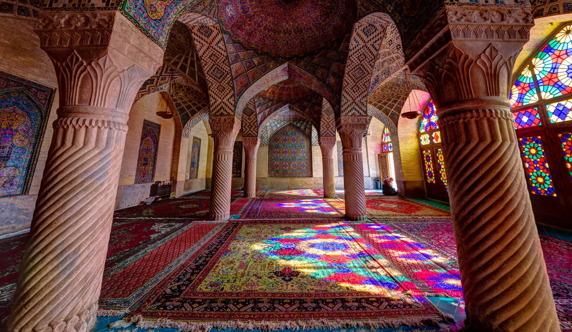 Kaleidoscope Views of the Middle East's Mosques: JuxtapozMosque23.jpg