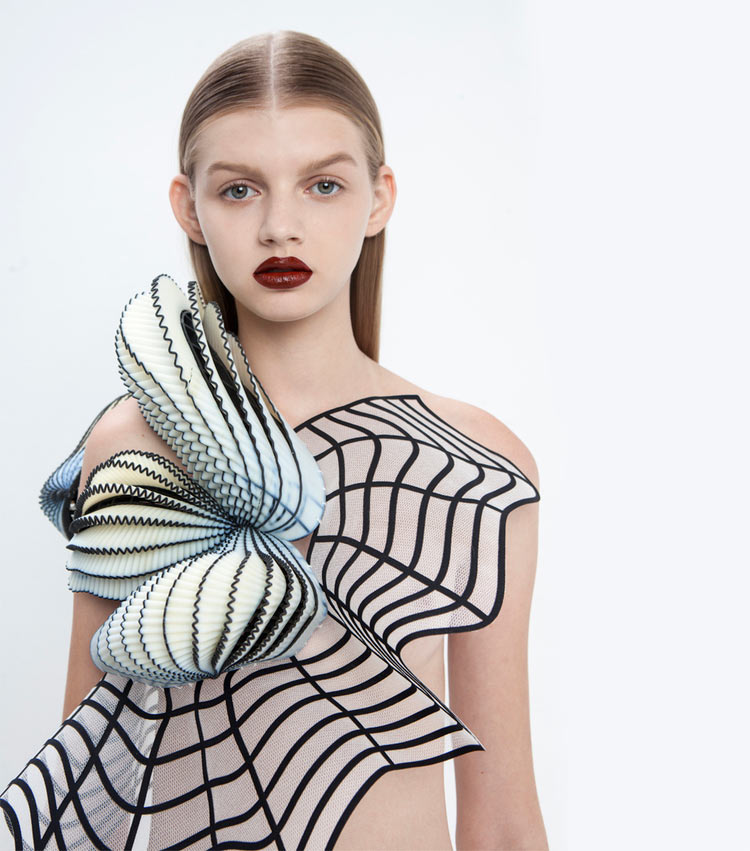 "3D Printed ""Virtual Reality"" Fashion: JuxtapozNoaRaviv000.jpg"