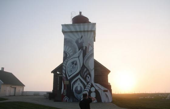 Juxtapoz @ Nuart: Lucy McLauchlan's Lighthouse for Nuart