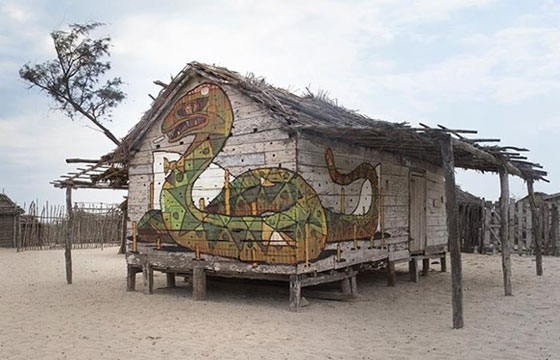 Aryz paints snake in Andavadoaka, Madagascar