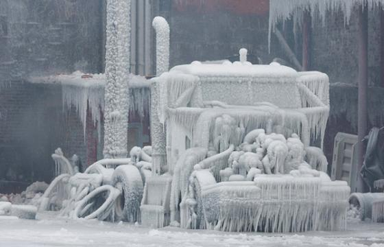 Chicago Warehouse fire results in Ice Wonderland