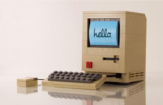 The Original Mac in LEGO by Chris McVeigh