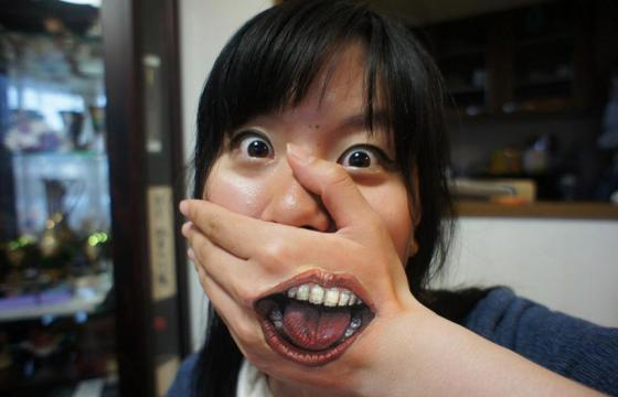 Clever Body Art by Japan's Chooo-san