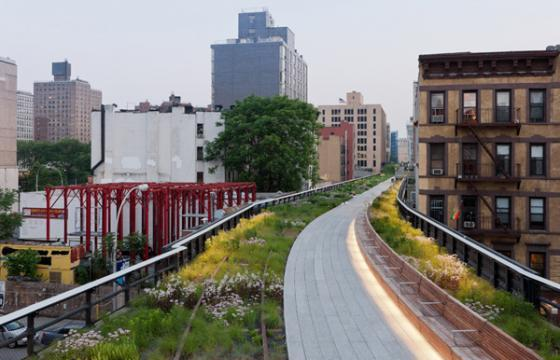 Section 2 of The High Line Opens