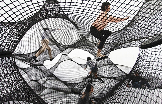 A Climbable Blow-Up Net by Numen/For Use