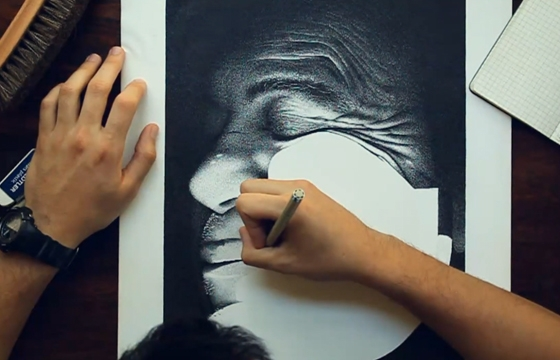 Video: Miguel Endara's 3.2 Million Ink Dot Portrait
