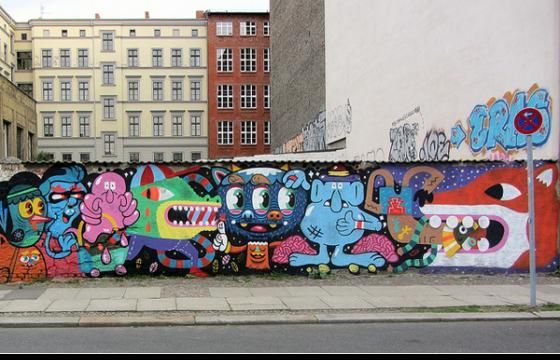 New Bue Walls in Berlin