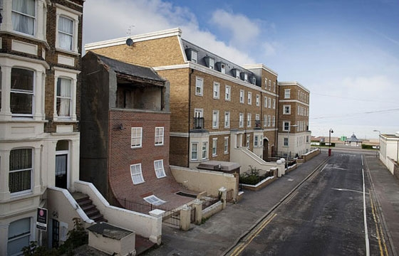 "Video: ""From the Knees of my Nose to the Belly of my Toes"" by Alex Chinneck"