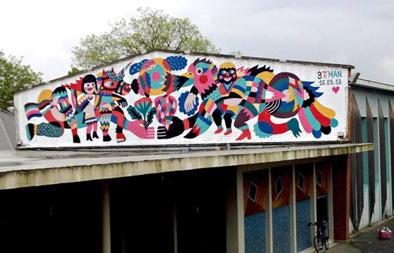 3ttman paints roof in Lillie, France
