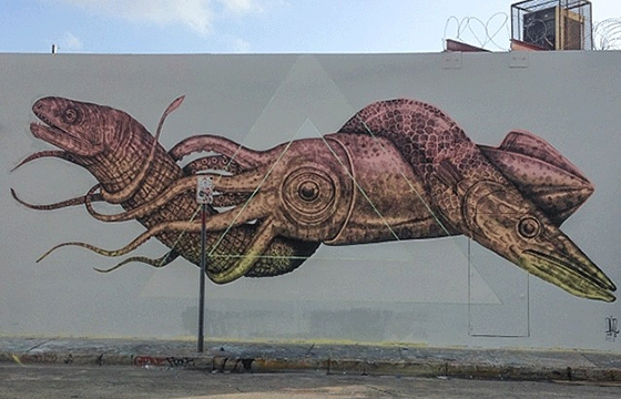 Alexis Diaz paints new mural in Miami