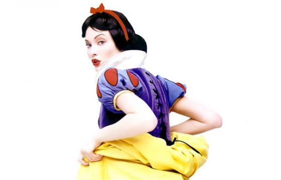 Snow White Gets Cheeky