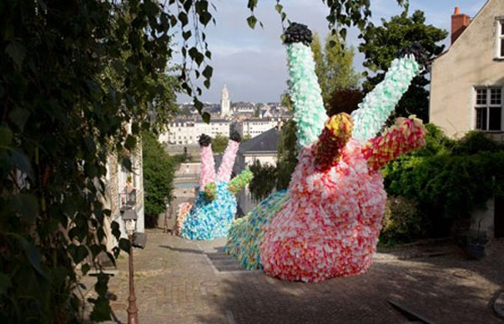 Giant Slugs Made from 40,000 Plastic Bags by Florentijn Hofman