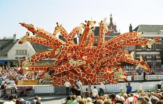 Sculptures Made of Flowers for Bloemencorso