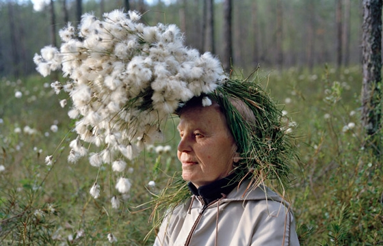 New Twist of Old Tradition of Old Finnish People With Things On Their Heads