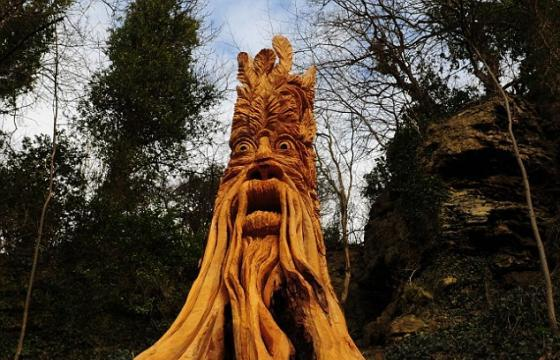 The Guerrilla Tree Sculptor in North Yorkshire