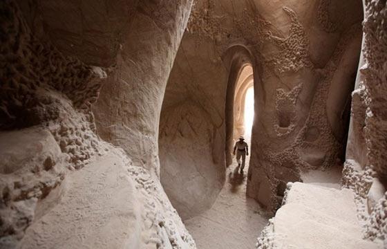 Ra Paulette's Hand-Dug Luminous Caves