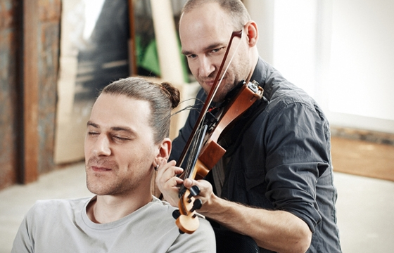 Hair Music: Man's Hair Used to String Violin