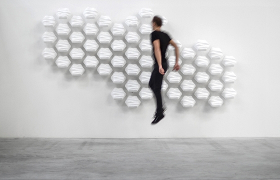 "Thibaut Sid's ""Hexi"" Responsive Wall"