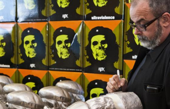Juxtapoz Exclusive Silver Colorway of Kozik's Dead Che Bust—Only a Few Left