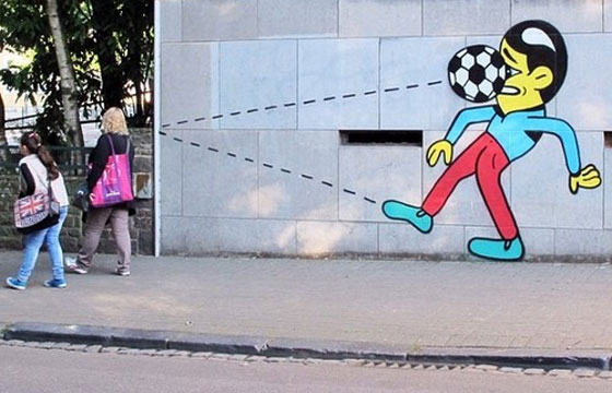 HuskMitNavn's animated characters bring life to the streets of Charleroi, Belgium