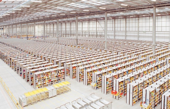 Photographs of an Amazon Fulfillment Warehouse by Ben Roberts
