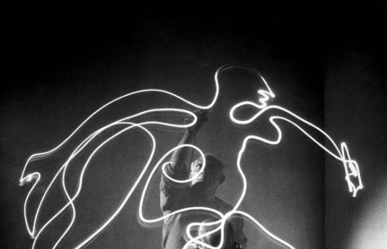 Picasso: Light Drawings